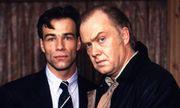 """Klaus Behrendt und Martin Lüttge (rechts) im Tatort-Krimi """"Der Mörder und der Prinz"""" aus dem Jahr 1991. / Bild: (c) imago/United Archives (imago stock&people)"""