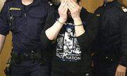 Archivbild: Einer der Angeklagten beim Prozessauftakt / Bild: APA/HERBERT PFARRHOFER
