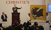 Die Versteigerung eines Gemäldes des indischen Künstlers Tyeb Mehtha im Dezember 2014 in Mumbai / Bild: (c) REUTERS (SHAILESH ANDRADE)