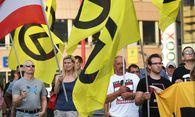 Teilnehmer der Identitären-Demo  / Bild: (c) APA/ROLAND SCHLAGER