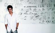 Der chilenische Architekt Alejandro Aravena ist Pritzker-Preisträger 2016. / Bild: Cristobal Palma/ELEMENTAL