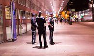 Der Innsbrucker Hauptbahnhof wird seit 10. April nahezu rund um die Uhr von elf Polizisten bewacht. / Bild: (c) Thomas Steinlechner