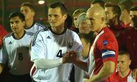 Fußball auf dem Schlachtfeld / Bild: (c) Reuters (Reuters, DEC 18 RTV - KEINE BESCHRÄNKUNGEN, DEC 18)