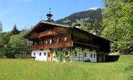 Gefragt: Urig und traditionell gibts sich dieses Objekt in Tirol. / Bild: (c) Krassnig