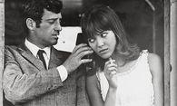 "Jean-Paul Belmondo und Anna Karina in Jean-Luc Godards Klassiker ""Pierrot le fou"" (Deutsch: Elf Uhr nachts) / Bild: (c) imago stock&people (imago stock&people)"