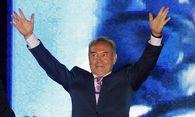 Präsident Nasarbajew freut sich über eine neue Amtszeit.  / Bild: (c) EPA (Yuri Kochetkov)