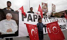 Demo anlässlich des Papstbesuches in der Türkei