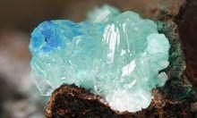 Bildete sich in einer Kupfermine: Simonkolleit, ein Zink-Korrosionsprodukt Zn5(OH)8Cl2.H20.