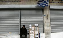 Athen beugt sich Griechisches