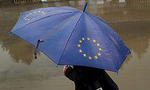 Schirm mit EU-Zeichen