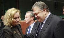 Fekter drängt ihren griechischen Amtskollegen zu Reformen