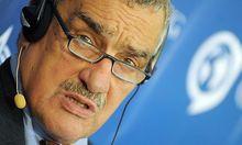Tschechien - Außenminister Schwarzenberg droht mit Rücktritt