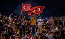 TOPSHOT-TURKEY-POLITICS-MILITARY-COUP-DEMO