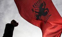 Kosovo Nationalisten blockieren Parlament