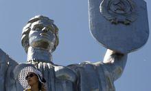 Kommunistische Erblast: Die Mutter-Heimat-Statue in Kiew, errichtete 1981, erinnert an den Sieg der Roten Armee im Zweiten Weltkrieg.