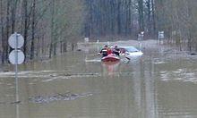 Donau steigt ueberflutungen Toren