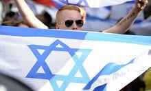 Ein Teilnehemr der Pro-Israel-Demo