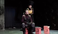Exzellent: Carolina Lippo als Ifigenia, hier mit Florian Köfler als Filotete.