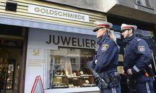 WIEN: UeBERFALL AUF JUWELIER - OPFER DURCH PFEFFERSPRAY VERLETZT