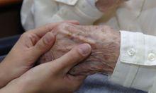 Mehr als 40.000 Minderjährige pflegen chronisch kranke Angehörige