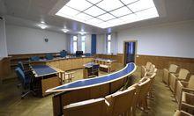 Leerer Gerichtssaal (Symbolbild)