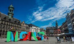 Malerisch. Zentraler Hauptplatz von Mons mit dem spätgotischen Rathaus (1440–1443 erbaut). / Bild: (c) Visitmons/Gregory Mathelot