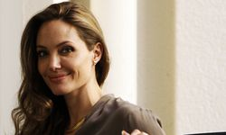 U.S. actress Angelina Jolie smiles at fans before the 18th Sarajevo Film Festival / Bild: (c) REUTERS (� Dado Ruvic / Reuters)