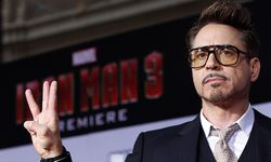 File photo of cast member Robert Downey Jr. posing at the premiere of ´Iron Man 3´ in Hollywood