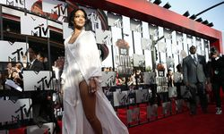 Singer Rihanna arrives at the 2014 MTV Movie Awards in Los Angeles