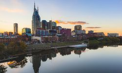 USA Tennessee Nashville and Cumberland river in the evening PUBLICATIONxINxGERxSUIxAUTxHUNxONLY GI / Bild: (c) imago/Westend61 (imago stock&people)