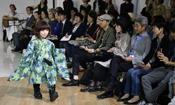 JAPAN TOKYO FASHION WEEK / Bild: (c) APA/EPA/FRANCK ROBICHON (FRANCK ROBICHON)