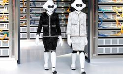 Models present creations by German designer Karl Lagerfeld as part of his Spring/Summer 2017 women´s ready-to-wear collection for fashion house Chanel during Fashion Week in Paris / Bild: (c) REUTERS (CHARLES PLATIAU)