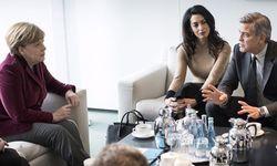 George Clooney bei der Berlinale-Eröffnungsgala mit Ehefrau Amal. / Bild: REUTERS