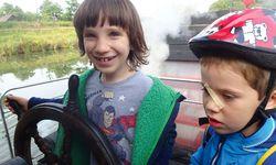 Kinderkapitän.  Auf dem Elb-Raddampfer jederzeit möglich. / Bild: (c) Beigestellt