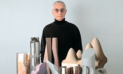 Signore. Alessandro Mendini rief mit einer Gruppe junger   Designer in den 70ern das Radical  Design ins Leben. / Bild: (c) Alessi