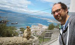 Wenige Sekunden bevor der Affe dem Autor auf die Schulter sprang. / Bild: (c) Beigestellt
