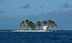 500px Photo ID: 96179843 - Little ´Toilet island´ in the middle of Caribbean sea (Belize, Placencia). It was the best office in my life! (office with open space ;-) ) / Bild: (c) �Tomas M�hring/500px (Tomas M�hring)