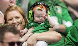 Nachwuchs in der irischen Fanzone. / Bild: Imago