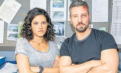"""Claudia Kottal und Murathan Muslu ermitteln als Kripobeamte in den """"Cop Stories"""". / Bild: (c) ORF"""