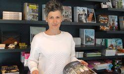 Geblättert.  Doris Lind findet die richtigen  Bücher für  konkrete Räume, www.literaturmanagement.at / Bild: (c) Beigestellt
