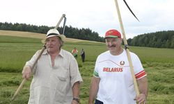 Besuch in Weißrussland: Depardieu und Präsident Lukashenko. / Bild: (c) REUTERS (HANDOUT)