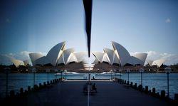 14 Jahre zog sich der Bau des Sydney Opera House hin, nach Baubeginn 1959 schmiss Architekt Jørn Utzon (links) nach sieben Jahren entnervt alles hin. Eröffnet wurde das geniale Gebäude 1973. / Bild: Reuters