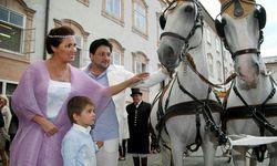 Anna Netrebko, Yusif Eyvazov und Sohn Tiago / Bild: APA (FRANZ NEUMAYR)