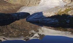 Gespiegelter Gletscher am Großvenediger / Bild: Imago