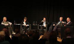 Ewald Tatar, Helga Rabl-Stadler, Rainer Nowak, Klaus Albrecht Schröder und Matthias Naske (v. l.) im Wiener Konzerthaus. / Bild: Stanislav Jenis / Die Presse