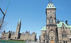 Parlament. Kate hatte es schwer mit mir. / Bild: (c) Beigestellt