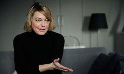 Ausgehen war früher. Am liebsten verbringt Elke Winkens Zeit bei sich zu Hause im Sechsten.  / Bild: Clemens Fabry / Die Presse