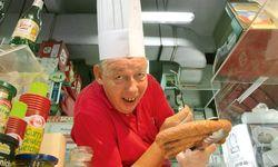 """Erich aus Gresten (NÖ). """"Quality  Grilled Sausage – Austrian Style"""". / Bild: (c) Beigestellt"""