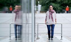 Simone Strobl hat zwei Fehlgeburten hinter sich. Sie kümmert sich nun um andere Betroffene mit einer Selbsthilfegruppe. / Bild: (c) Die Presse/Clemens FabryPresse