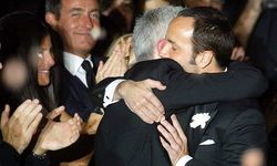 Tom Ford und Richard Buckley / Bild: APA/EPA/DANIEL DAL ZENNARO